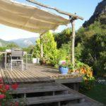 chambres d'hôtes ariege terrasse petit déjeuner vue montagnes